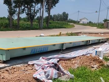 河南天康宏展农牧公司100吨地磅